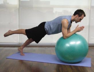 Swiss ball oefeningen core stability