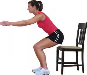squatten met stoel